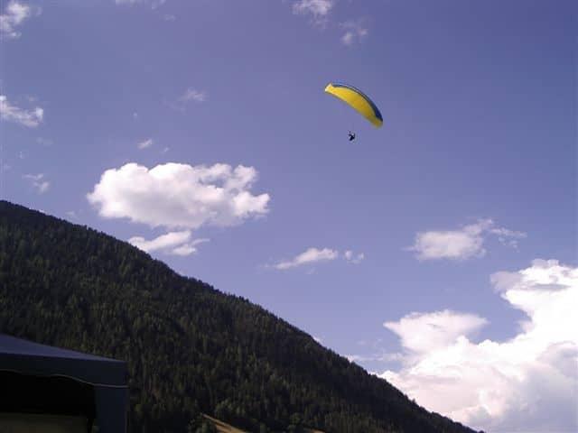 Arbeiten in Hollenstedt - Urlaub in den Alpen.